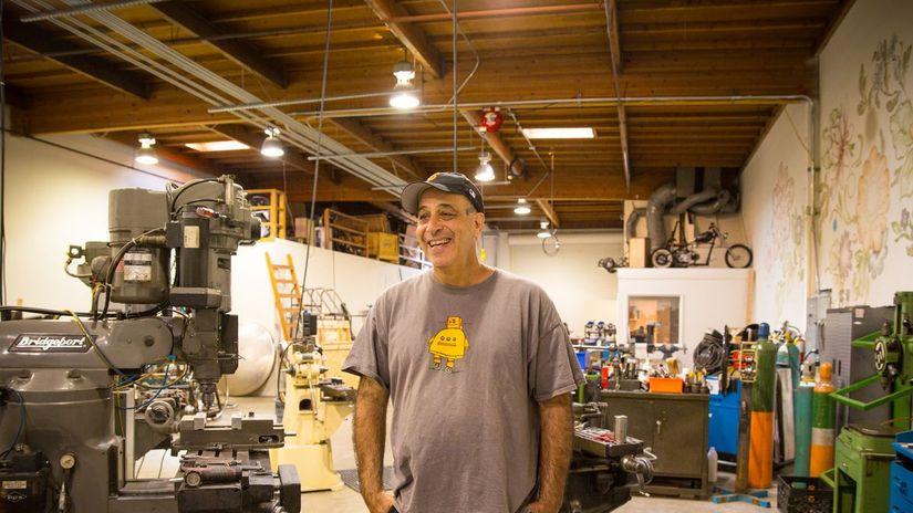 Autodesk - finisce l'era di Carl Bass