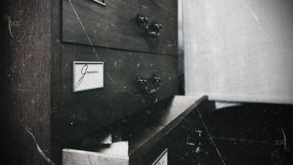white room-7.jpg